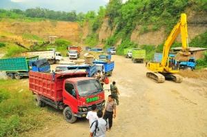 Polres Mojokerto menindak tegas terhaap lokasi pertambangan batuan yang tidak mengantongi izin dan melanggar titik koordinat